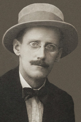 Author James Joyce in 1915