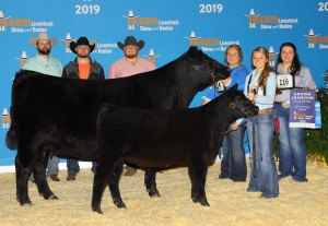 Angelo State Angus Cattle Show Team with their Grand Champion Cow/Calf Pair