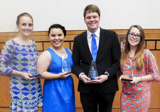 Farnen (right) and other members of the Honors Student Association pose with their group's 2015 Rammy Awards.