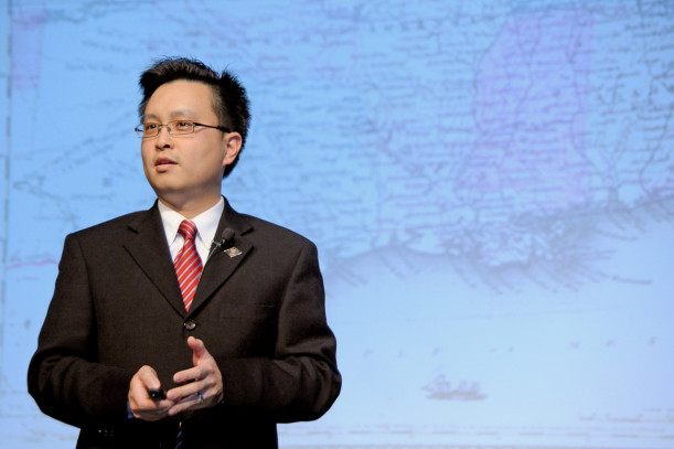 Wongsrichanalai speaking at the last event in the Civil War Sesquicentennial Commemoration Lecture Series in April 2015.