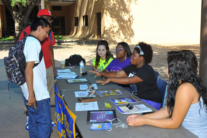 Sha'Tara Robinson recruiting new members for Alpha Phi Omega