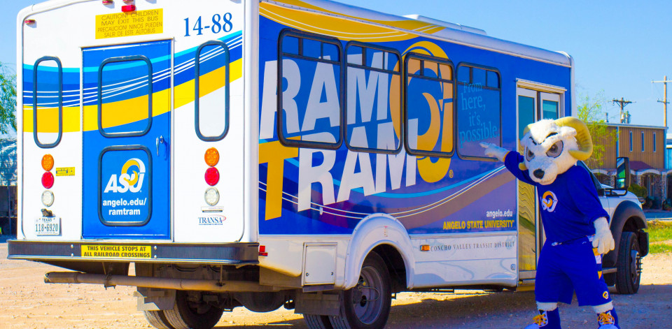 Ram Tram with Roscoe pointing at the bus