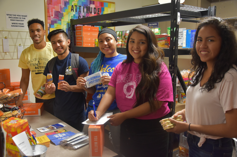 Students in the Ram Pantry