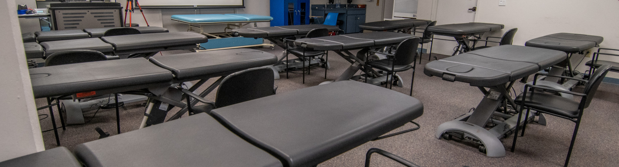 kinesiology classroom with practice beds